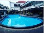 kolam-renang-hotel-swarna-dwipa.jpg