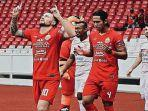 marc-klok-saat-bermain-bersama-persija-jakarta-di-liga-1-indonesia.jpg