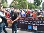 massa-buruh-yang-tergabung-dalam-front-perjuangan-rakyat-fpr_20151127_212306.jpg