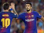 megabintang-fc-barcelona-lionel-messi-merayakan-gol-bersama-luis-suarez_20171018_222736.jpg