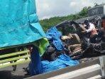 mobil-kecelakaan-di-tol-pematang-panggang-kayuagung.jpg
