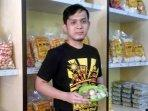 owner-pempek-mangdin-palembang.jpg