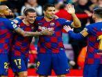 para-pemain-barcelona-melakukan-selebrasi-usai-mencetak-gol-di-ajang-liga-spanyol.jpg