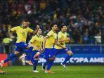 para-pemain-brasil-melakukan-selebrasi-usai-memastikan-diri-melaju-ke-semifinal-copa-america-2019.jpg