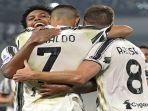 para-pemain-juventus-berselebrasi-usai-mencetak-gol-melawan-sampdoria-di-liga-italia.jpg