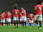 para-pemain-manchester-united-berselebrasi-usai-mencetak-gol-dalam-ajang-liga-inggris.jpg