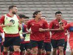 para-pemain-timnas-indonesia-kala-menggelar-latihan-di-era-shin-tae-yong-di-stadion-madya.jpg