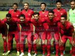 para-pemain-timnas-indonesia-melakukan-pose-jelang-laga.jpg