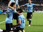para-pemain-uruguay-merayakan-gol-edinson-cavani-ke-gawang-portugal_20180701_030727.jpg
