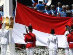 pasukan-pengibar-bendera-pusaka-paskibraka-mengibarkan-bendera-merah-putih_20180817_090102.jpg