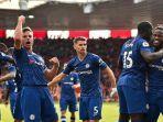 pemain-chelsea-berselebrasi-usai-mencetak-gol-dalam-ajang-liga-inggris.jpg