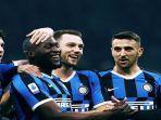 pemain-inter-milan-berselebrasi-setelah-berhasil-mencetak-gol-dalam-ajang-liga-italia.jpg