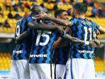 pemain-inter-milan-berselebrasi-setelah-berhasil-mencetak-gol-ke-gawang-benevento-di-liga-italia.jpg