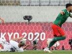 pemain-meksiko-mencetak-gol-ke-gawang-prancis.jpg