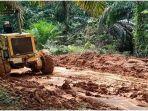 pembangunan-jalan-rusak-di-desa-tanjung-raja-rawas-ilir-muratara.jpg