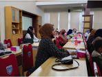 pendidikan-pemilih-berbasis-pemilih-perempuan-digelar-kpu-oku-timur-senin-23112020.jpg