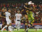 pertandingan-antara-psm-makassar-vs-pss-sleman-di-liga-1-indonesia.jpg