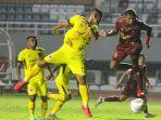 pertandingan-antara-sriwijaya-fc-vs-muba-babel-united-di-liga-2-indonesia.jpg