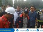 pjs-walikota-palembang-najib-stop-penggalian-tak-berizin_20180421_131310.jpg