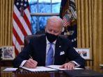 presiden-as-joe-biden-duduk.jpg