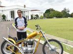 presiden-joko-widodo-atau-jokowi-membeli-motor-royal-enfield-bullet-350cc-bergaya-chopper.jpg