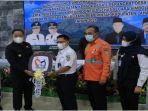 pt-kai-indonesia-persero-menyerahkan-bantuan-satu-unit-ambulans-senin-2862021.jpg