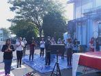 puluhan-orang-yang-mengikuti-senam-yang-digelar-kapha-yoga-indonesia-yoga-school-palembang.jpg<pf>puluhan-orang-yang-mengikuti-senam-yang-digelar-kapha-yoga-indonesia-yoga-school-palembang-1.jpg<pf>puluhan-orang-yang-mengikuti-senam-yang-digelar-kapha-yoga-indonesia-yoga-school-palembang-2.jpg