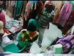 pura-pura-jadi-pembeli-pria-ini-curi-hp-pegawai-toko-grosir-pakaian-di-sako-begini-modusnya.jpg
