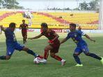 rahel-radiansyah-dalam-pertandingan-sriwijaya-fc-vs-psim-di-liga-2-indonesia.jpg