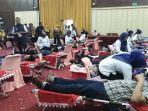 ratusan-karyawan-pln-donorkan-darahnya-pada-hut-pertambangan-dan-energi-ke-74.jpg