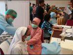 sebanyak-350-pemuka-agama-di-kota-palembang-suntik-vaksin-covid-19-senin-2232021.jpg