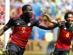 selebrasi-striker-belgia-romelu-lukaku-usai-mencetak-gol-ke-gaw_20160618_220908.jpg