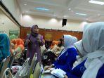 seminar-dalam-rangka-memperingati-hari-ibu-ke-88_20161220_202337.jpg