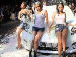 sexy-car-wash-rekor-muri_20150606_204841.jpg