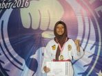 siswi-madrasah-aliyah-negeri-1-palembang_20161229_125933.jpg
