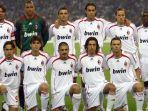 skuad-ac-milan-saat-menjadi-juara-dalam-ajang-liga-champions-2007.jpg