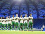 skuat-timnas-indonesia-saat-melawan-vietnam-pada-kualifikasi-piala-dunia-2022-di-stadion-al-maktoum.jpg