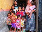 sriyanti-bersama-anak-anaknya-saat-ditemui-tribunjatengcom-di-rumahnya.jpg