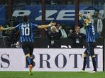 striker-inter-milan-mauro-icardi-kanan-melakukan-selebrasi_20160417_055637.jpg