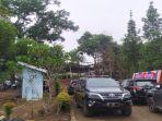 suasana-di-sekitar-pemakaman-hj-percha-leanpuri-di-gandus-hill-sabtu-2182021.jpg