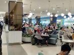 suasana-food-court-di-pusat-perbelanjaan-di-palembang123.jpg