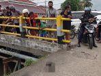 tengkorak-di-jembatan-gersik-skip-palembang-1.jpg