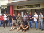 tim-beguyur-bae-polrestabes-palembang-keroyok-pengunjung-kedai-kopi-jumat-1862021.jpg