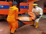 tim-sar-menyiapkan-perahu-karet-untuk-mencari-orang-tenggelam-di-sungai-ogan.jpg
