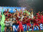 timnas-u-22-indonesia-melakukan-selebrasi-juara.jpg