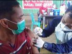 vaksinasi-di-desa-bukit-baru-air-sugihan-oki-kamis-2782021.jpg
