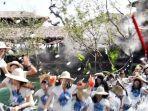 viral-30-finalis-ratu-kecantikan-thailand-jatuh-setelah-jembatan-tiba-tiba-ambrol.jpg