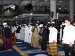 wali-kota-lubuklinggau-h-sn-prana-putra-sohe-shalat-idul-adha1442-h-di-masjid-agung-as-salam.jpg