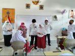 walikota-palembang-harnojoyo-meninjau-ptm-di-sdn-136-palembang-rabu-1592021.jpg