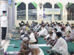 wawako-serahkan-bantuan-untuk-masjid-nurul-ikhsan.jpg